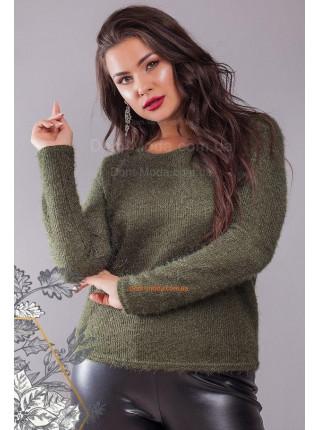 Стильний в'язаний светр для повних дівчат