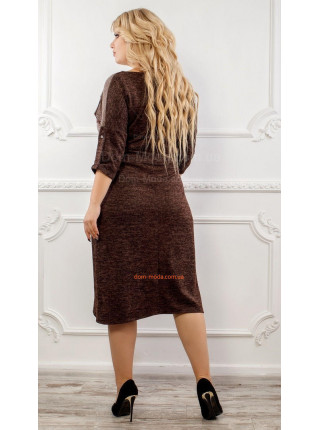 Теплое коричневое платье большого размера