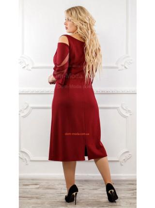 Нарядное платье бордового цвета для девушек с формами
