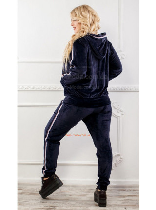 Велюровий костюм спортивний для фігуристих дівчат