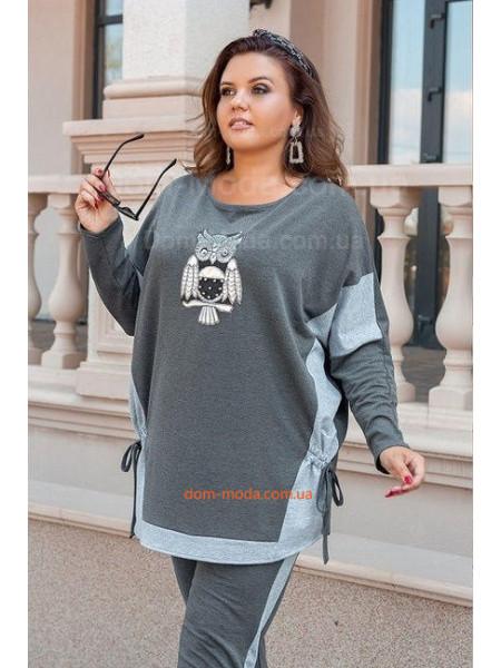 Жіночий брючний костюм із совою для повних