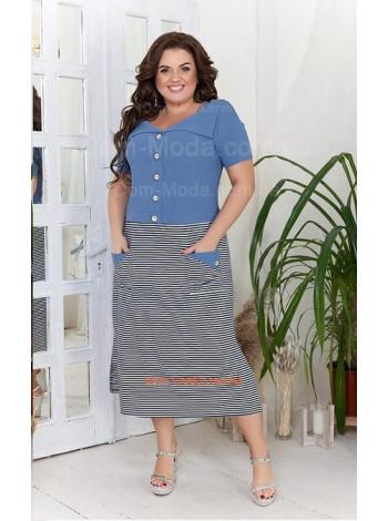 Модне літнє плаття в полоску для повних