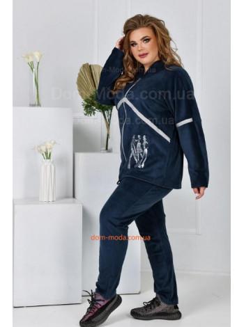 Велюровый костюм с капюшоном большого размера