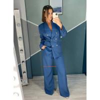 Брючный женский костюм с пиджаком
