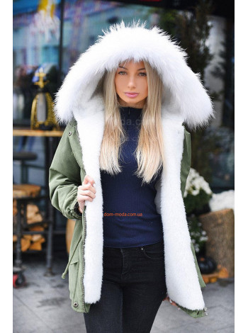 Коротка жіноча куртка парка із білим хутром