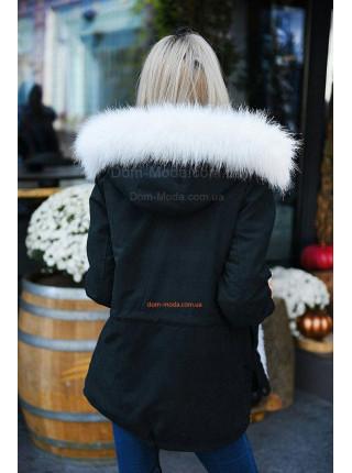 Короткая женская куртка парка с белым мехом