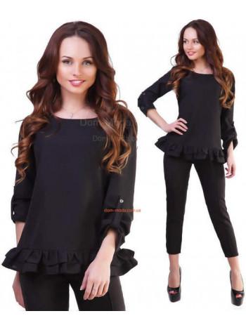 Женский черный костюм с зауженными брюками