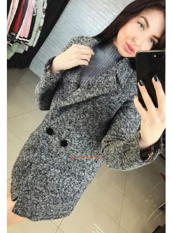 Сіре жіноче пальто букле