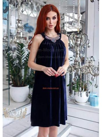 Стильное женское платье до колен со стразами