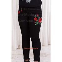 Женские черные джинсы большого размера с вышивкой