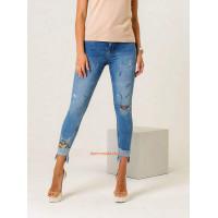 Жіночі джинсові штани в обтяжку з вишивкою