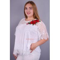 Красива гіпюрова блузка для повних дівчат