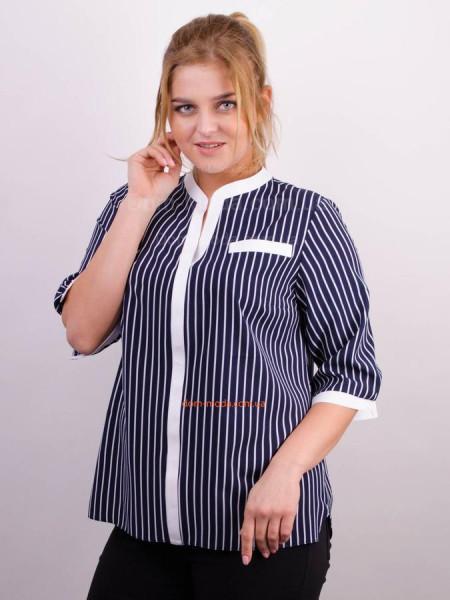 Стильна жіноча блузка в принт для повних дівчат