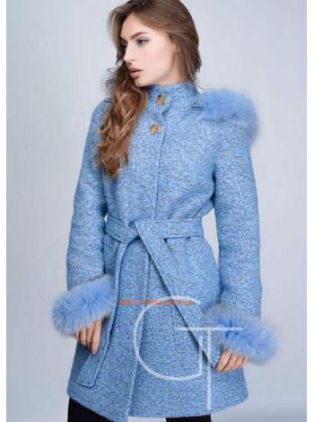 Зимове тепле жіноче пальто із хутром на капюшоні і рукавах
