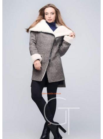 Тепле короткий жіноче пальто на хутрі