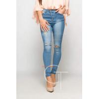 Модні жіночі завужені джинси із вишивкою