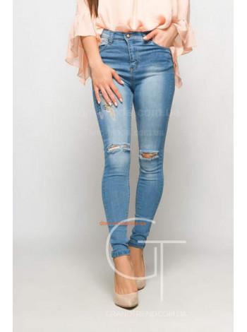 Модные женские зауженные джинсы с вышивкой