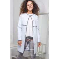 Жіноче демісезонне пальто із кишенями