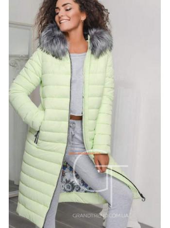 Зимове жіноче пальто з капюшоном і хутром