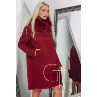 Зимове жіноче пальто прямого крою