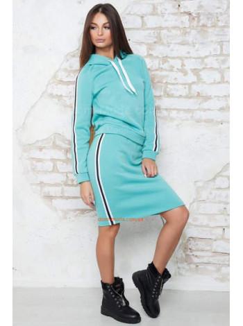 Трикотажний костюм жіночий зі спідницею