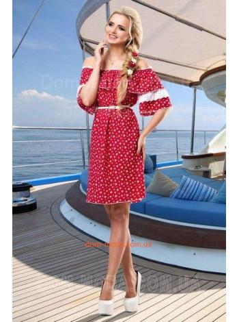 Модное женское платье с открытыми плечами