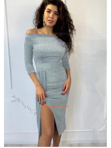 Стильное недорогое вечернее платье с открытыми плечами