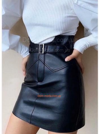 Стильная кожаная юбка с высокой талией