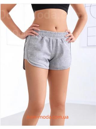 Короткие спортивные шорты
