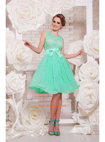 Вечірня сукня з мереживом жіноча