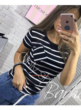 Модная полосатая футболка с небольшим рукавом