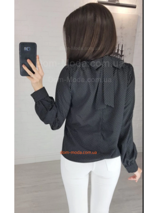 Стильная женская блузка в горошек