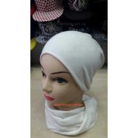 Женская трикотажная шапка и шарф