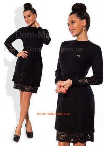 Стильное платье со вставками из черного кружева