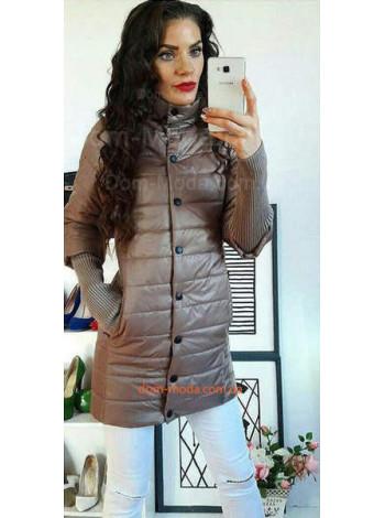 Удлиненная женская куртка с вязаными рукавами