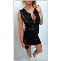 Короткое стильное платье с кожаными вставками без рукав