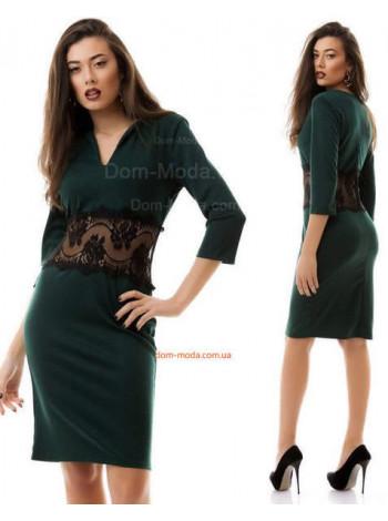 Изящное женское платье со вставкой кружева на талии