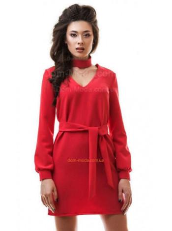 Модное короткое женское платье красного цвета