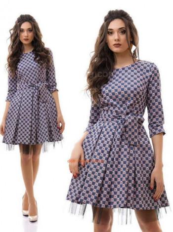 Женское короткое платье с фатиновым подъюбником и длинным рукавом
