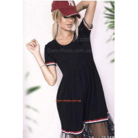 Стильное женское трикотажное платье со вставками из сетки