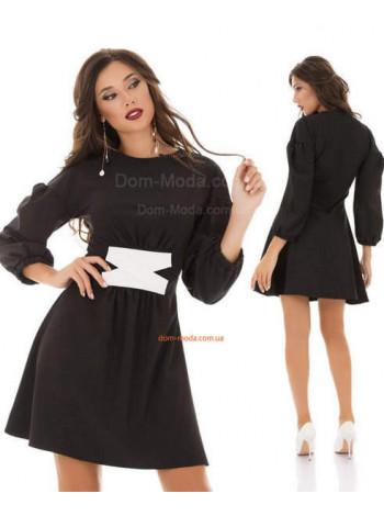 Коротке жіноче плаття із білим переплетінням