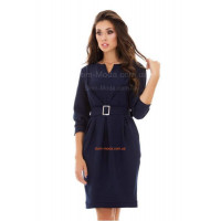 Стильное женское платье в классическом стиле с брошкой