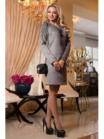 Жіноча ділова сукня з вишивкою
