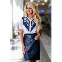 Жіноча оригінальна блузка із вишивкою