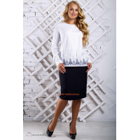 Стильна легкая блузка з довгим рукавом великого розміру
