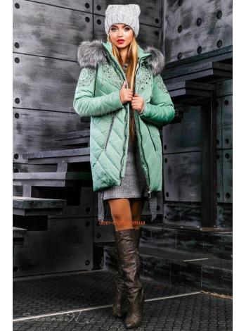Стильная зимняя куртка с капюшон и мехом