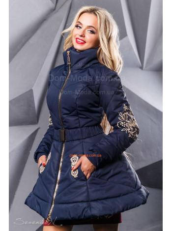 Жіноче стильне пальто із пишною спідницею і поясом