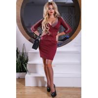 Сексуальное женское платье с глубоким декольте и жемчугом