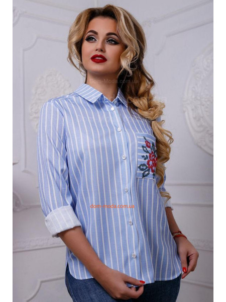 Рубашка женская в полоску и яркой вышивкой