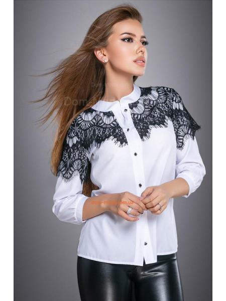 Женская белая блуза с черным кружевом